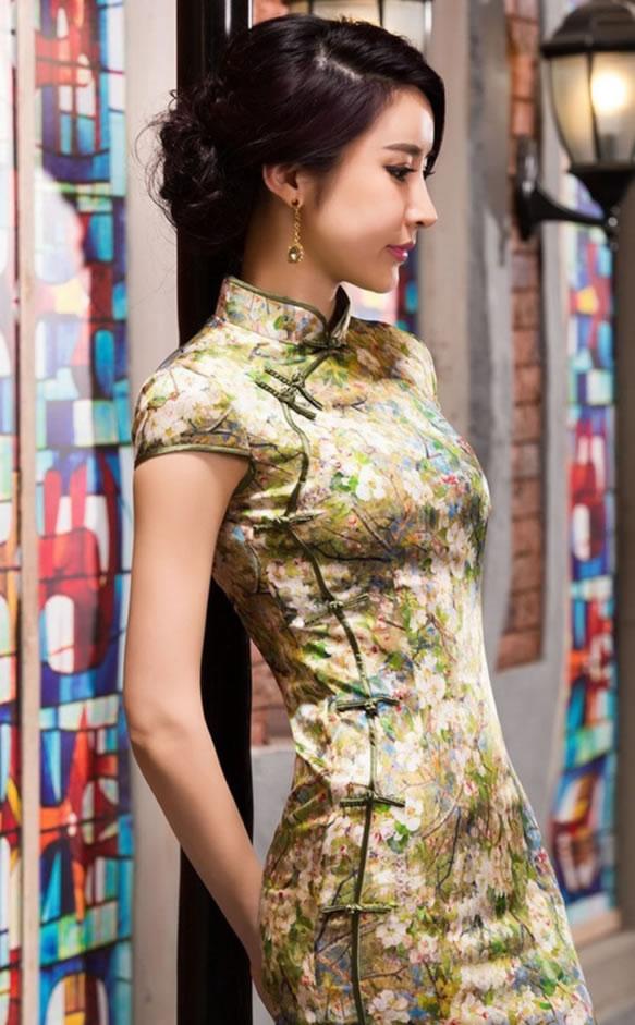 成都化妆学校奢妃助力高端旗袍会 品味优雅