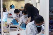 奢妃学院韩式半永久培训班细心的描绘着每一笔