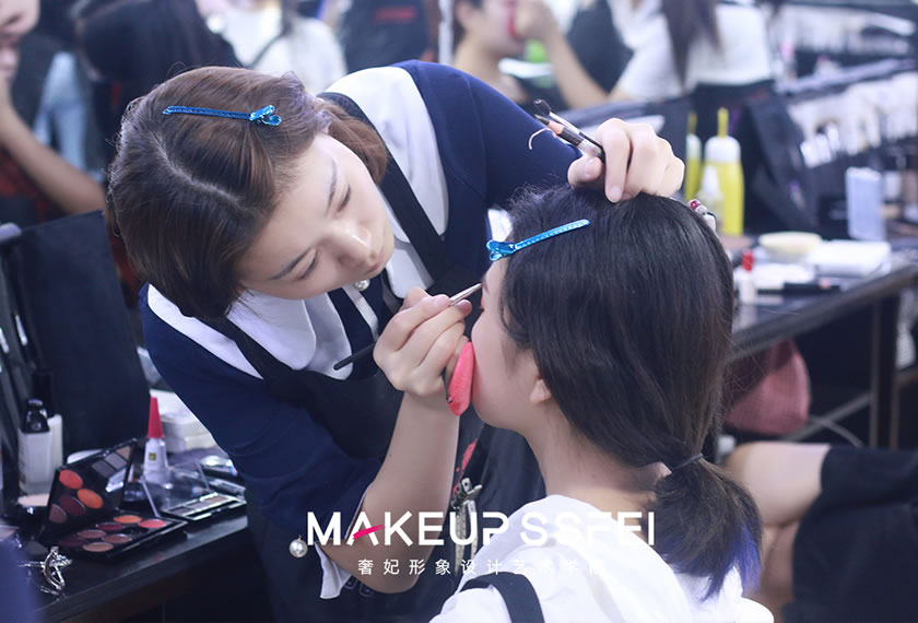 奢妃学员练习化妆步骤-必须熟练掌握的技巧