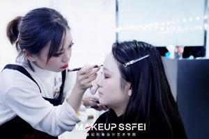 成都化妆培训学校学习眼影后移彩妆技巧