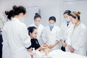 美容护肤手法操作技巧成都美容培训学校