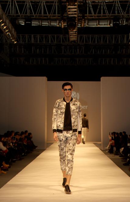 澳洲幸运5携手PEACEBIRD打造高端发布会 引领时尚潮流